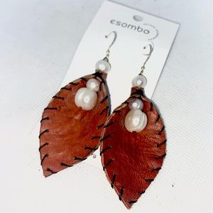 NWT- Escombo Boho Leather Pearl Earrings